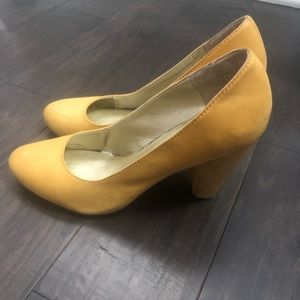 Seychelles Yellow Pumps